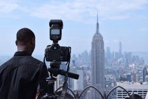 【プロ仕様】物撮りの時に使うべきカメラ用三脚おすすめ5選
