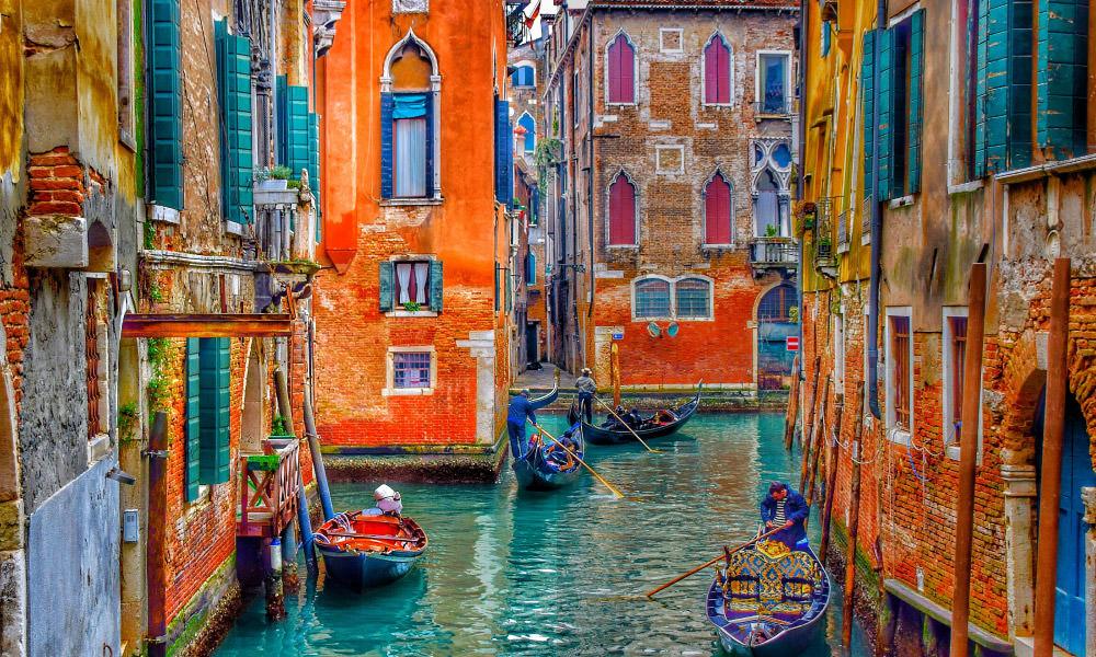 色の表現豊かなモニターを選ぶ