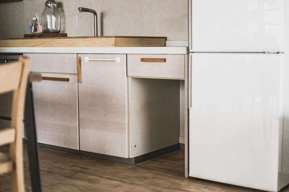 キッチン下の空洞