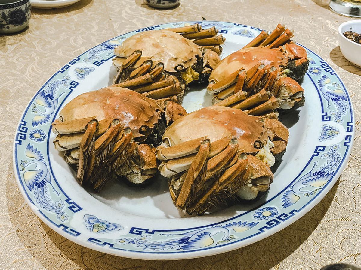 ゆでた後の上海蟹