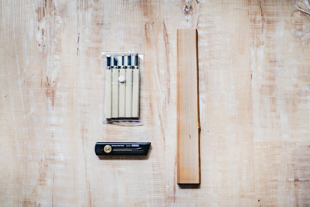 スプーン作りの材料と道具